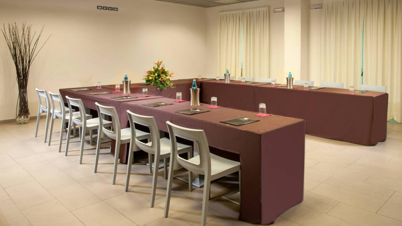 hotel-artis-rome-meeting-03