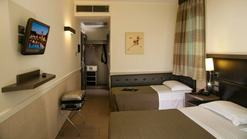 hotel-artis-rome-rooms-02